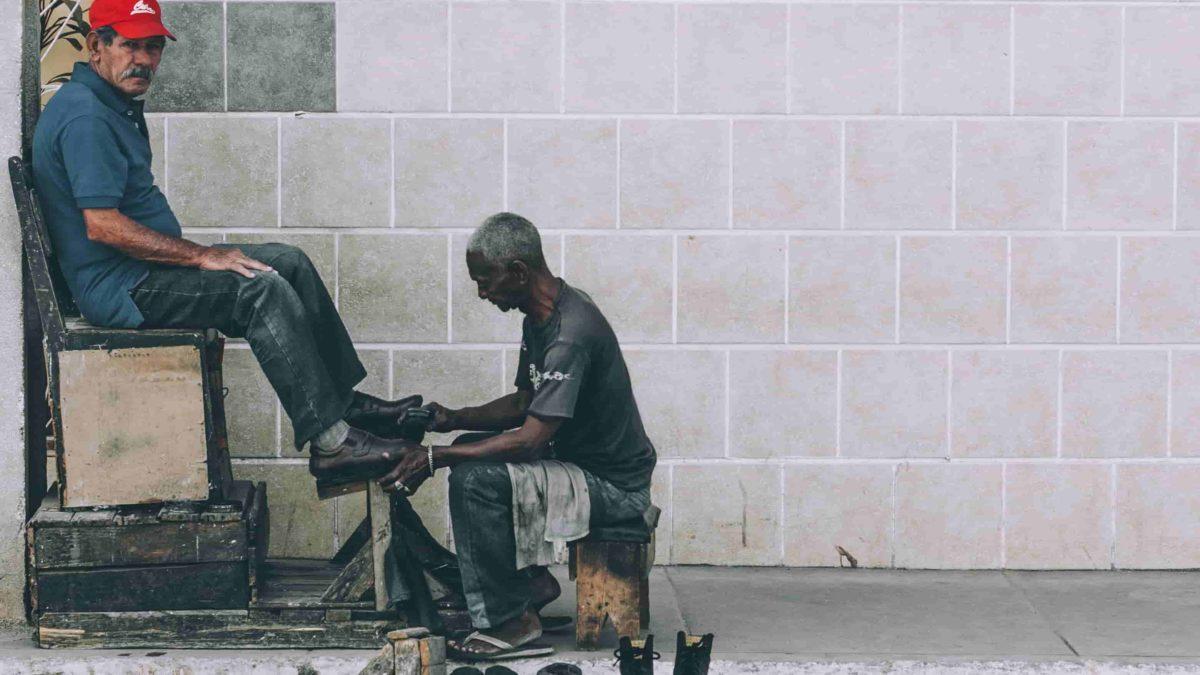 МОТ: Неформальная экономика — заразиться или умереть от голода?