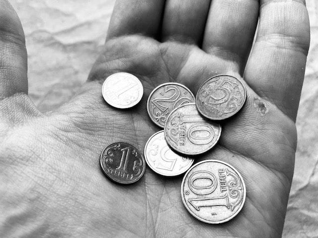 Казахстан-2020: ВВП падает, госрасходы увеличиваются, бедность растет