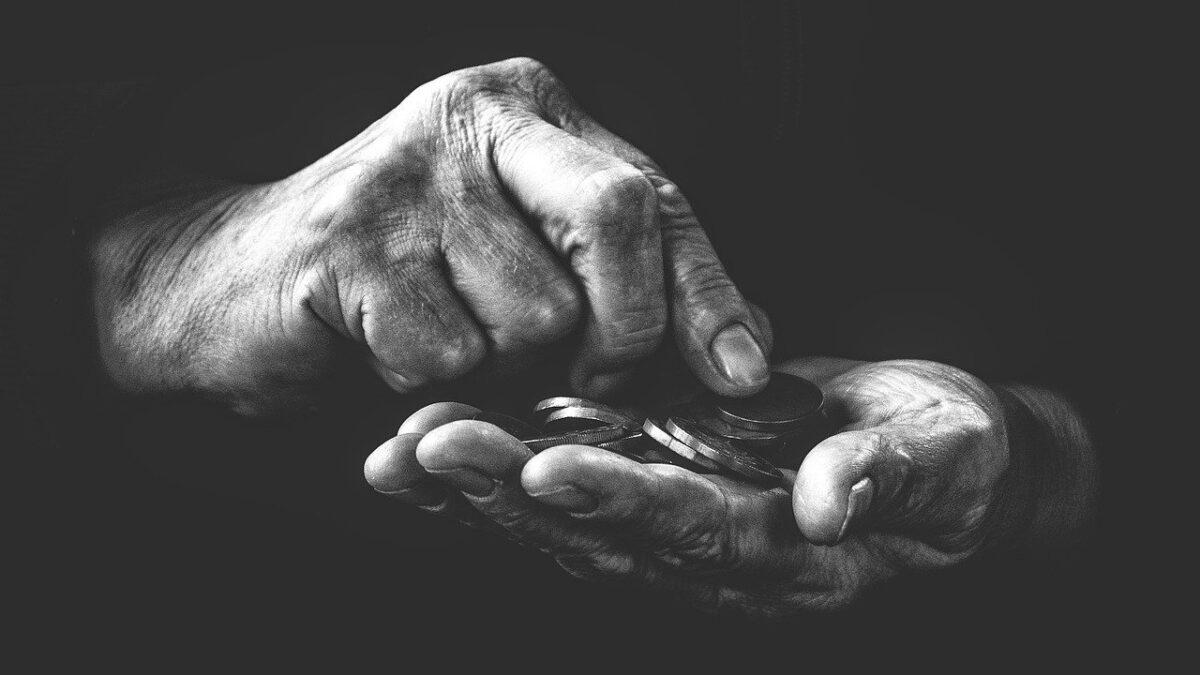 Сокращение реальных доходов населения РК: кто пострадает больше?