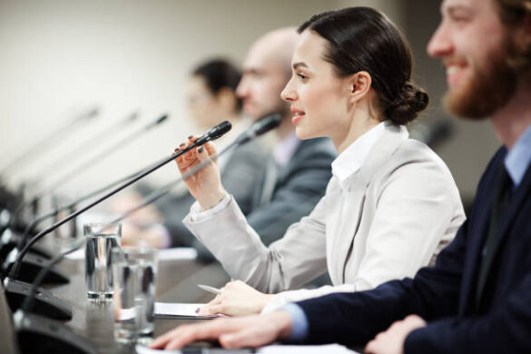 Есть ли женщины среди руководителей акиматов и маслихатов Казахстана?