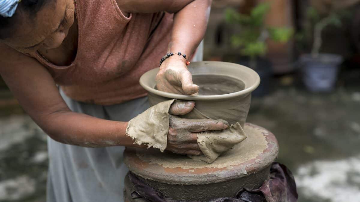 Переформатирование и переосмысление социальной защиты неформально занятых женщин? Перспективы из Латинской Америки