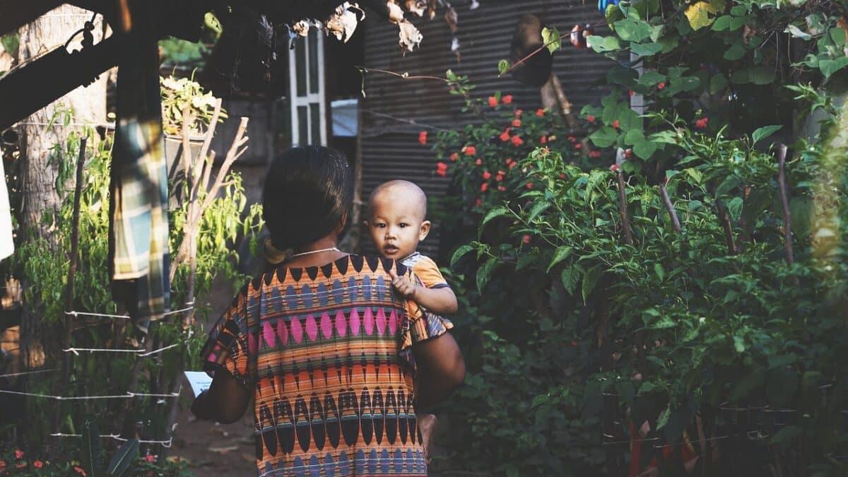 Качественные услуги по уходу за детьми для работников в неформальной экономике